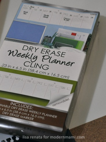 Dry-erase weekly planner cling