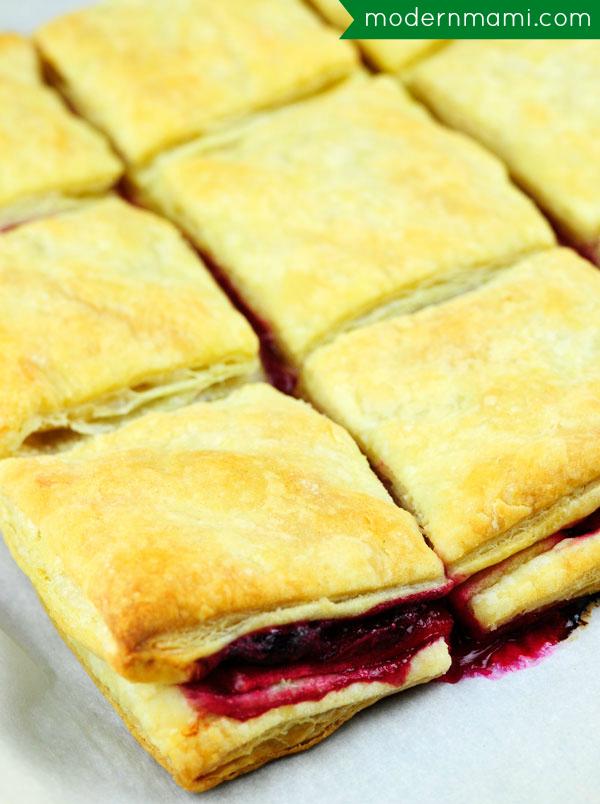 Cranberry Apple Pastelitos (Puff Pastry Dessert)